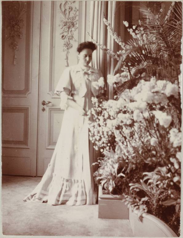 Photography from the private archive of the Romanovs family-Lujon Magazine53