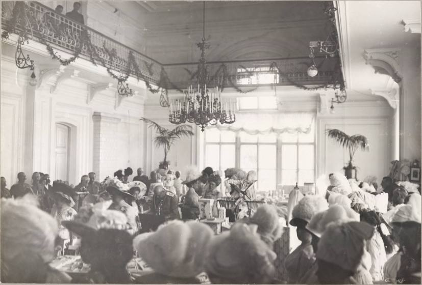 Photography from the private archive of the Romanovs family-Lujon Magazine77
