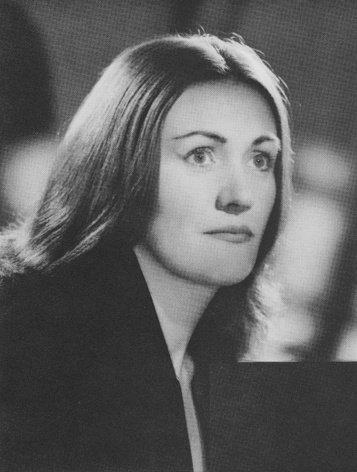 OH WOW: Joan Sutherland with normal hair; We are getting strong Garbo vibes.