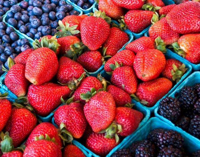 Fresh Strawberry Roundup | LunaCafe