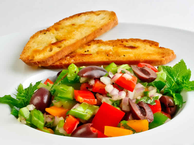 Red & Orange Bell Pepper Salad with Mint, Parsley & Lemon-Garlic Vinaigrette with Seeded Bread Crisps | LunaCafe