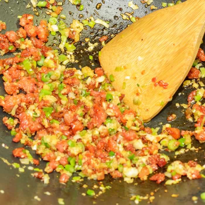 Stir-Frying Chinese Sausage and Aromatics