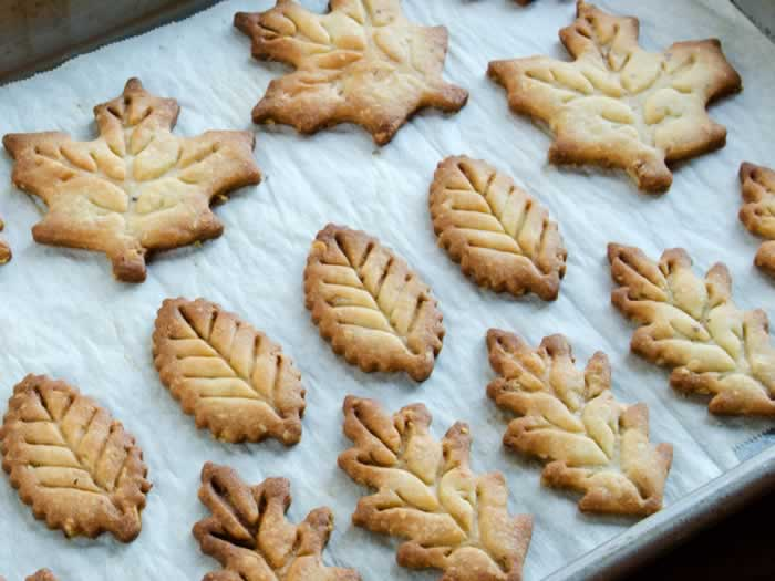 Baked Pastry Leaves
