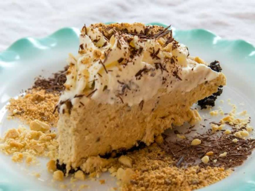 Ought to Be Illegal Butterfinger Pie (No Bake)   LunaCafe