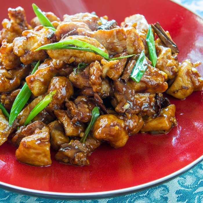 General Tso's Chicken | LunaCafe