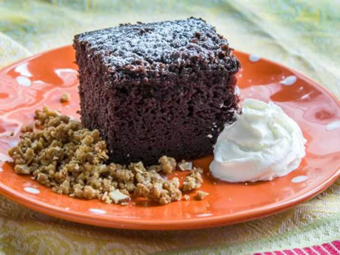 LunaCafe Top Posts 2014: Mad Dash Chocolate Cake (Fast & Easy)