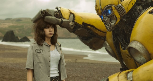 Hailee Steinfeld as Charlie and Bumblebee in BUMBLEBEE.