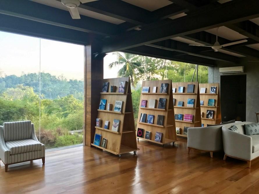 Tri Lanka library