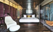 the-luxury-asia-w-hotel-singapore-sentosa-cove-extreme-wow-suite-bedroom
