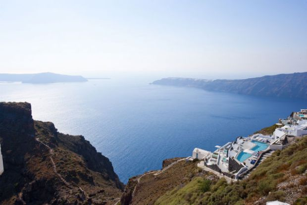 rs-luxury-santorini-holidays-grace1
