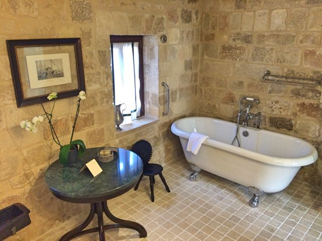 Kokkini bathroom