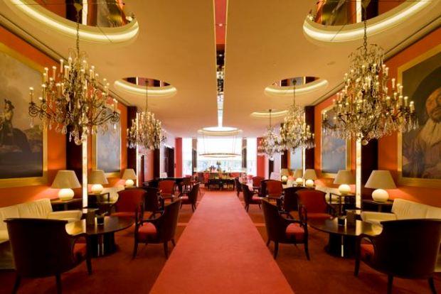 De L'Europe Lobby - Promenade