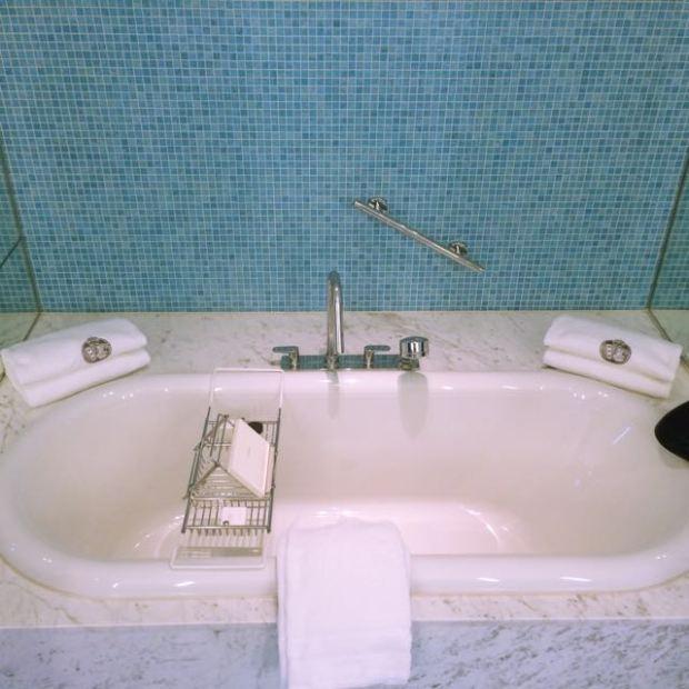 De L'Europe my bath