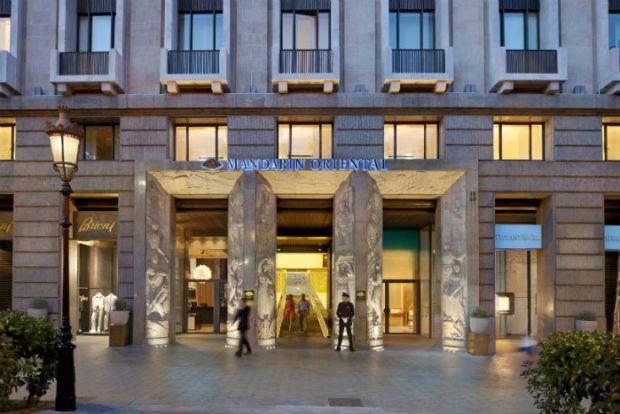 barcelona-exterior-hotel-exterior-view-7