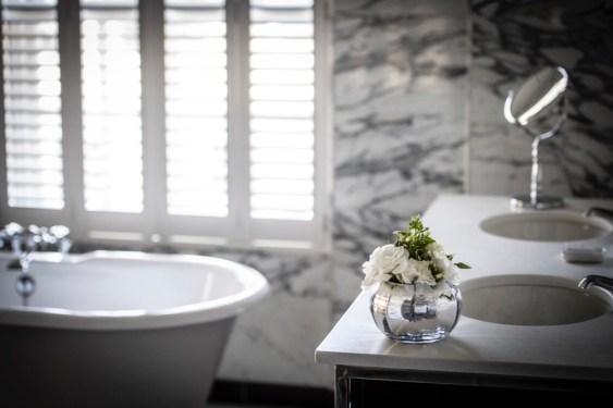 BLO - Studio Suite Bathroom