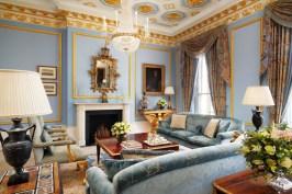 Royal_Suite_Living_Room_2_4871