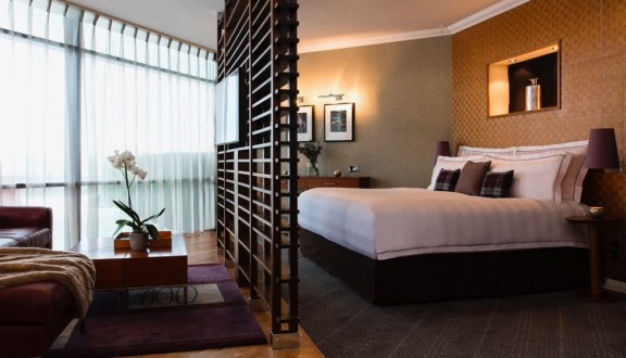 STUDIO SUITE - Bedroom (2)