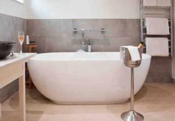 Hayloft bath low res