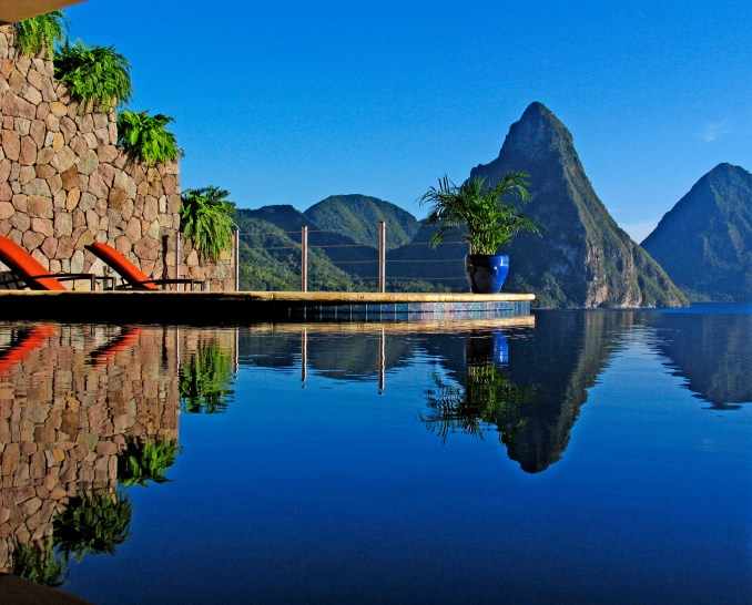 JADE MOUNTAIN PRIVATE INFINITY POOL