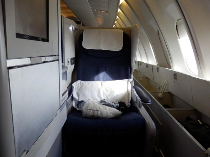 BRITISH AIRWAYS CLUB WORLD SEAT WITH EXTRA STORAGE SPACE