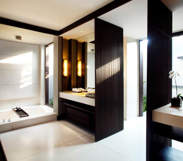 OCEAN POOL VILLA BATHROOM