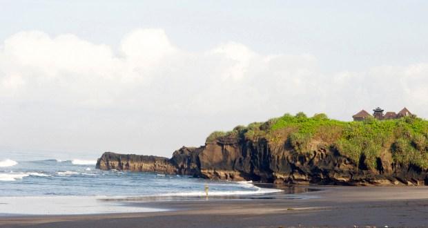 BEACH AND NEARBY PENINSULA