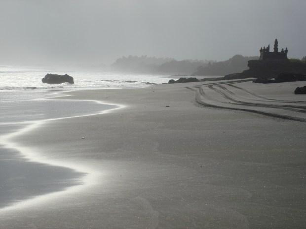BLACK BEACH IN AREA