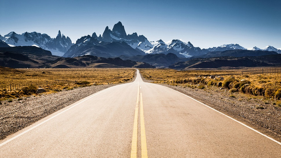 top 10 most scenic roads in the world