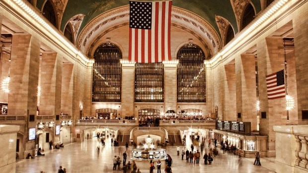 WATCH THE WORLD PASS BY AT GRAND CENTRAL TERMINAL