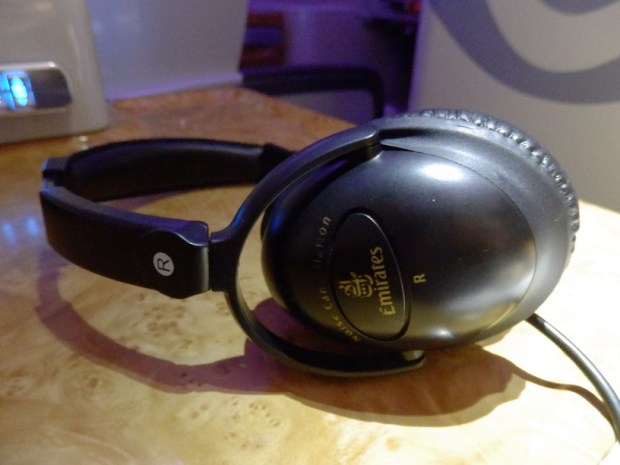 NOISE CANCELLING HEADPHONE