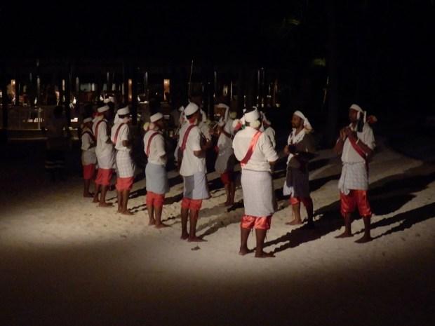 MALDIVIAN DANCERS