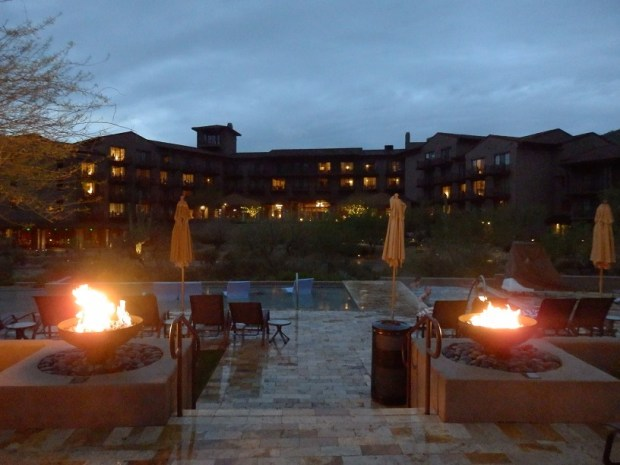 RESORT AT JNIGHT