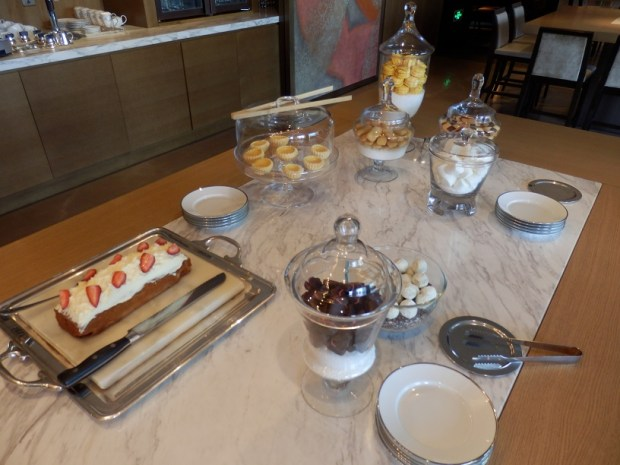 THE MANOR CLUB: AFTERNOON TEA