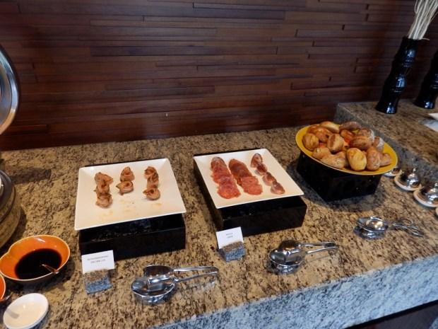 CLUB LOUNGE: LIGHT LUNCH BUFFET