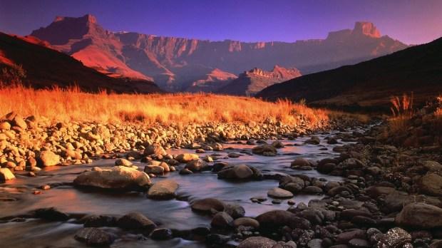 NORTHERN DRAKENSBERG TREK, SOUTH AFRICA