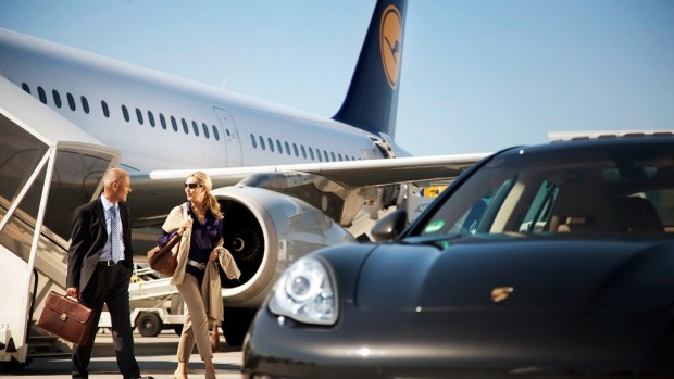 PORSCHE 911 EXPERIENCE FOR LUFTHANSA'S FIRST CLASS PASSENGERS