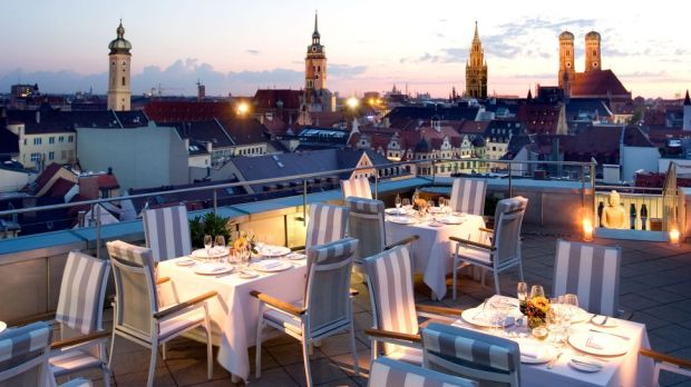 SUMMER ROOFTOP DINING