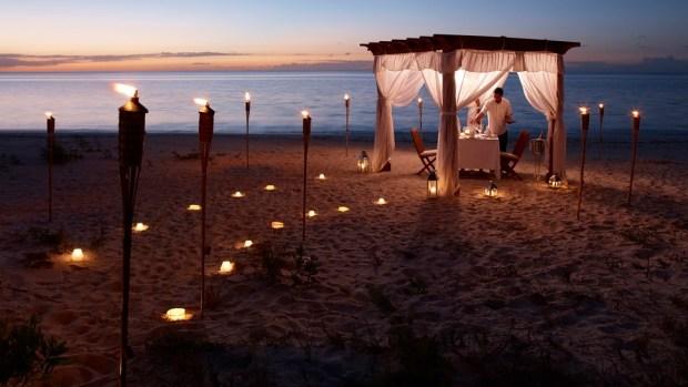 GAZEBO DINNER ON THE BEACH