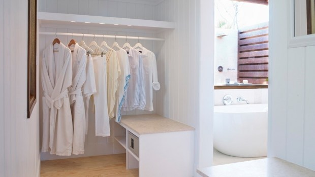 TWO BEDROOM BEACH HOUSE - CLOSET