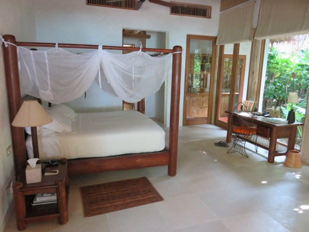 FAMILY VILLA SUITE WITH POOL: BEDROOM