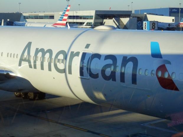 AA BOEING 777-300ER