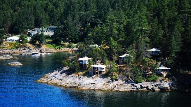 ROCK WATER SECRET COVE RESORT, BRITISH COLUMBIA, CANADA - SLEEPLESS NIGHT