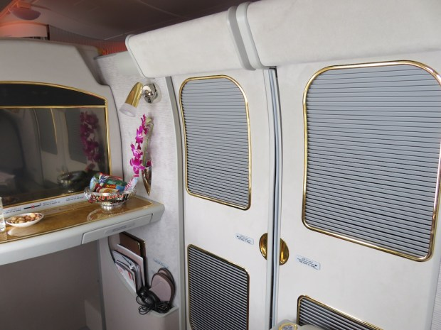 FIRST CLASS SUITE 3A