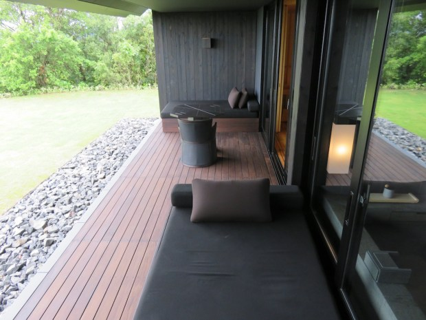 SORA SUITE: OUTDOOR DECK