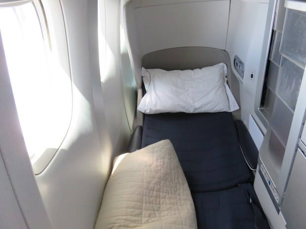 BUSINESS CLASS SEAT IN FLATBED POSITION