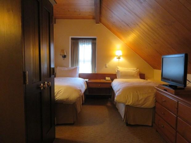 SUITE: BEDROOM 2