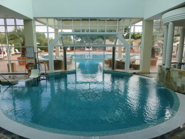 INDOOR SPA POOL