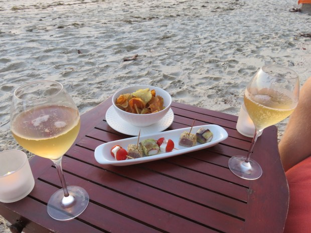 SUNSET DRINKS & CANAPES