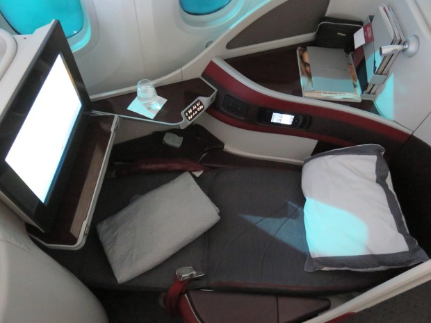 BUSINESS CLASS SEAT 4K (FLAT-BED)