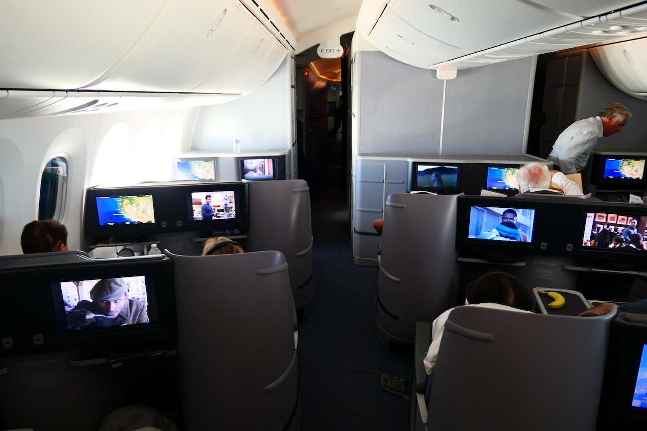 United Airlines B787-9 Polaris Business Class Paris to San